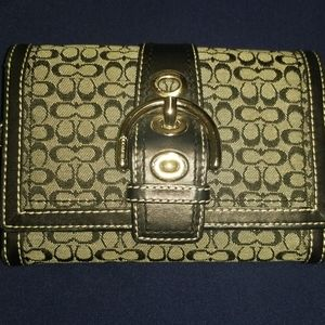 Coach Trifold Buckle Black Signature Wallet